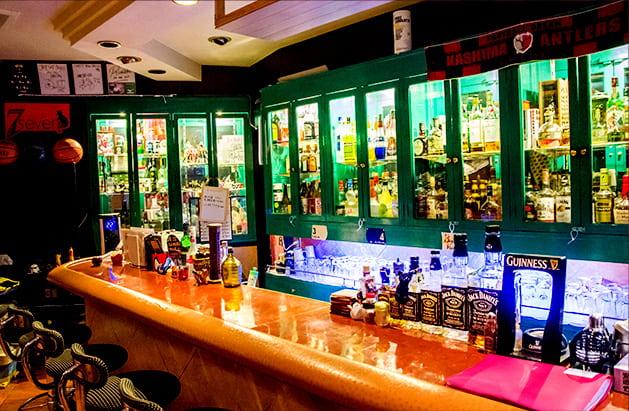 Chot Bar 7 店内